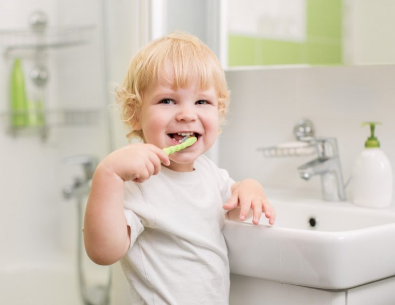 Пластины для выравнивания зубов как подкручивать