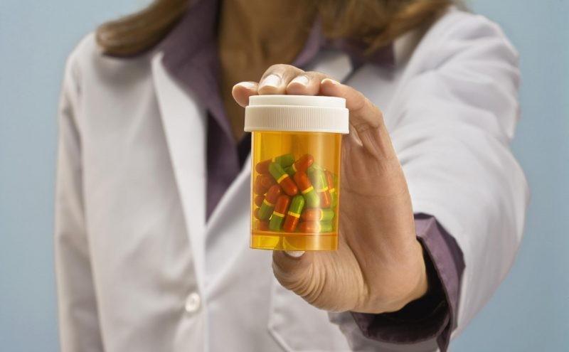 Антибиотики при флюсе - помогают или нет?