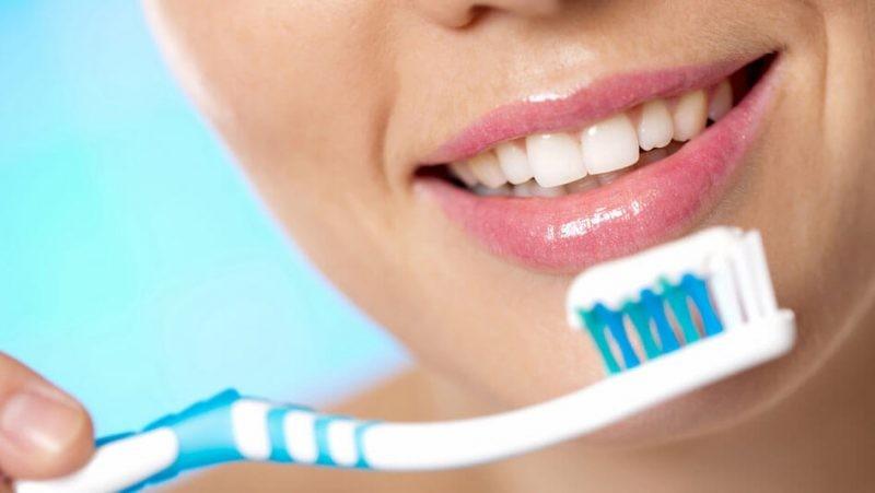 Зубная паста с фтором или без фтора: что лучше
