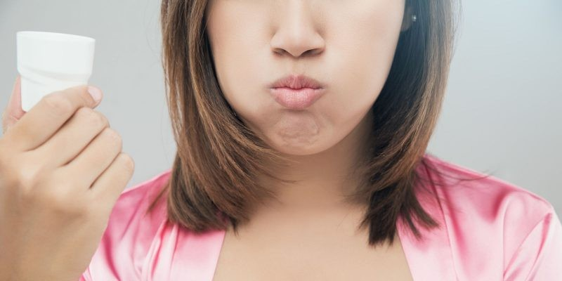 Сильно опухла губа — верхняя, нижняя: причины, лечение
